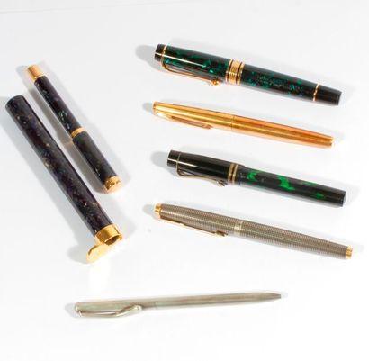 Lot de 6 stylos dont AURORA, WATERMAN ET...