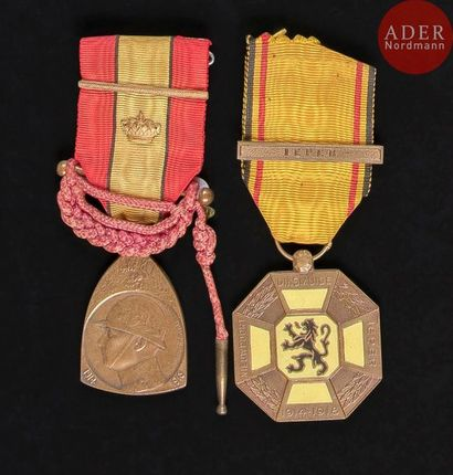 BELGIQUE Ensemble de deux médailles: - médaille...