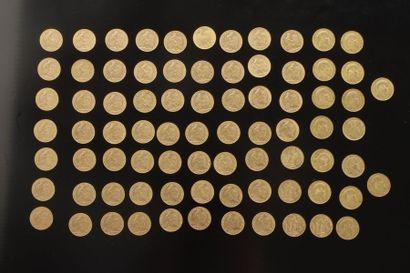 79 pièces de 20 Francs en or, dans un sachet...