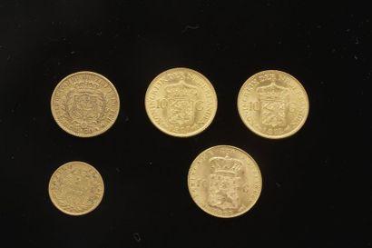 Lot de 5 pièces en or diverses dans un sachet...