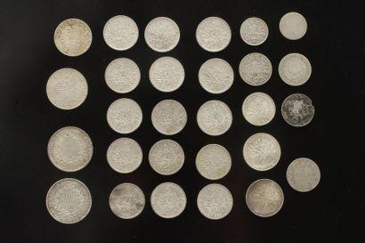 Lot de 28 pièces en argent. Poids : 349,7...