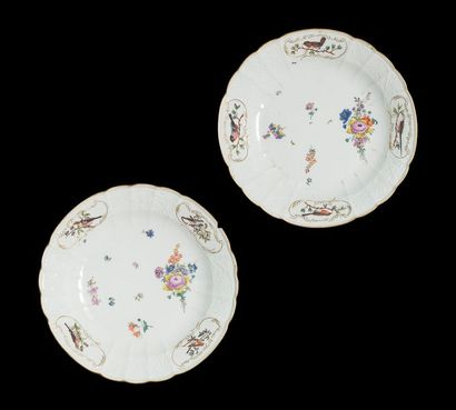 Meissen Deux plats rond en porcelaine à décor...