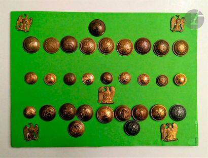 Ensemble de 30 boutons d'infanterie de ligne...