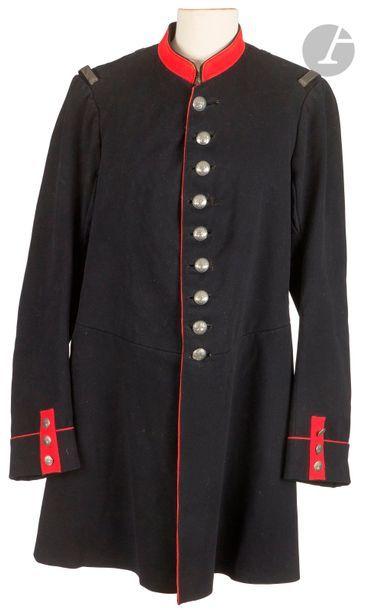 Tunique d'officier deuxième cuirassier, modèle...
