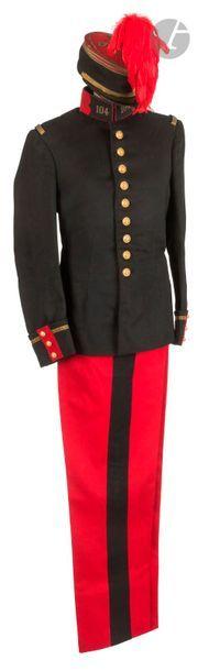 Ensemble de capitaine d'infanterie comprenant:...
