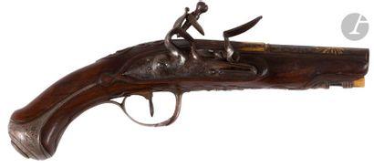 Pistolet à silex de demi-arçon d'officier. Canon rond, à pans au tonnerre, bleui,...