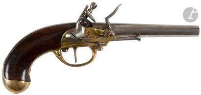 Pistolet d'arçon à silex modèle 1777. Canon rond à méplats au tonnerre. Platine...