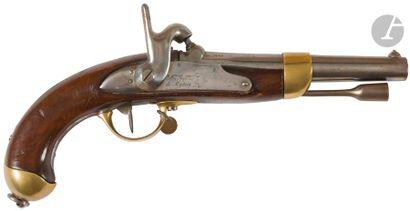 Pistolet d'arçon à percussion modèle 1822 T bis, construit neuf. Canon rond à pans...