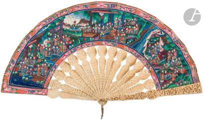 CHINE, Canton - XIXe siècle Éventail en papier...