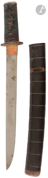 JAPON - XIXe siècle Tanto, fourreau en laque...