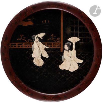 JAPON - Début XXe siècle Deux panneaux ronds...