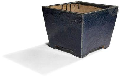 CHINE - XIXe siècle Cache-pot rectangulaire...