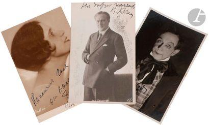 Collection de vingt-trois photographies cartes...