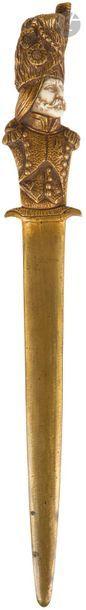 Albert SCHRODEL Coupe-papier en bronze doré...