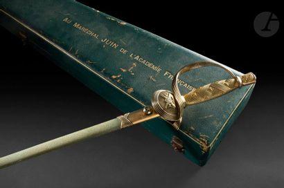Belle épée d'académicien du Maréchal Alphonse Juin Monture en vermeil. Pommeau en...