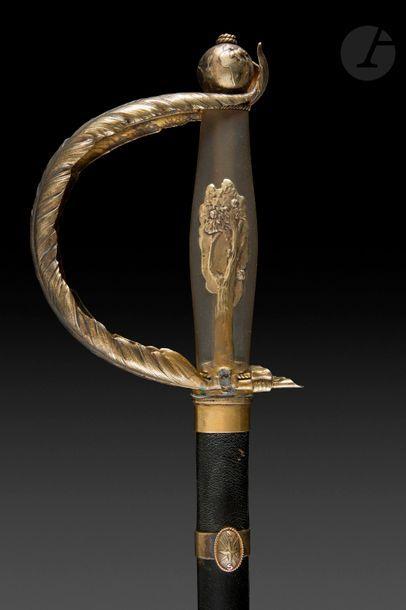 Épée d'académicien de Jean Tharaud (1877-1952) Monture en vermeil. Fusée en pâte...