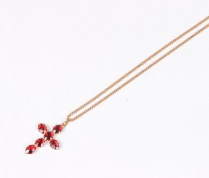 Croix pendentif en or 18K (750), sertie de...