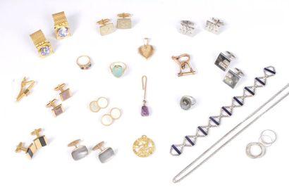 Lot de bijoux en or 18K (750) comprenant...