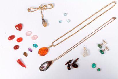 Lot de bijoux et accessoires en argent ou...