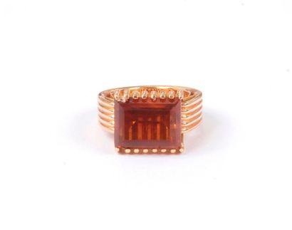 Bague en fils d'or rose 18K (750), ornée...