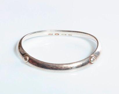 TORUN pour GEORG JENSEN. Bracelet ouvrant...