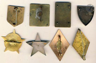 8 insignes - Grandes unités et divers dont 2e DB (Cartier Paris), 1er CA locale...