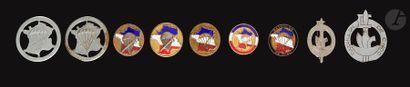 9 insignes Parachutistes Choc - 2x 1er Choc...