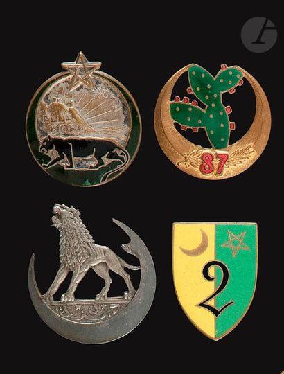 4 insignes - 5e Dina, 86e Dr Ber, 87e (Augis),...