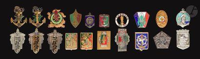 20 insignes - Légion Matériel, GAE et Marine...
