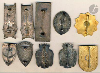 10 insignes GU - 2x 21e DIA, 2x 22e DIA Divisions de Marrakech, Fès, Constantine,...