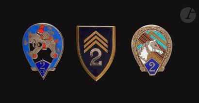 3 insignes 2e RCA - 1er type (Dr Ber), 2e...