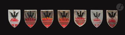 7 insignes du 5e RCA - Dr Ber, DP embouti,...