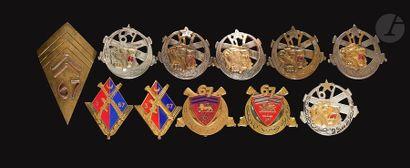 11 insignes du 67e RAA- 2x écu émaillé ([ANC]...