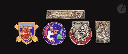 5 insignes - PAD 80 [SA], BDAC 64e RAA (FD),...