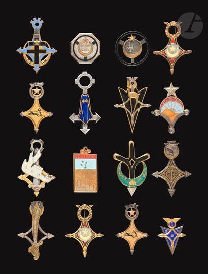 16 insignes sahariens dont 2e CSP 1er et...