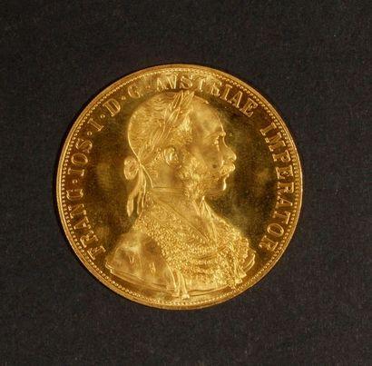 1 pièce de 4 Ducats en or. Type François Joseph 1er. Refrappe. Poids: 14 g. Frais...