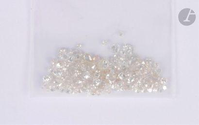 Lot de diamants de formes et de poids variés...