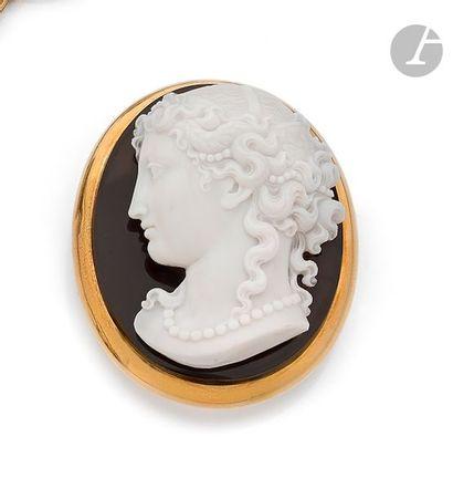 Camée sur agate sculpté du portrait d'une...