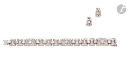 BOUCHERON Parure comprenant : Bracelet en...