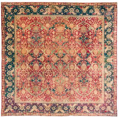 AGRA, XIXe siècle Très rare tapis indien...