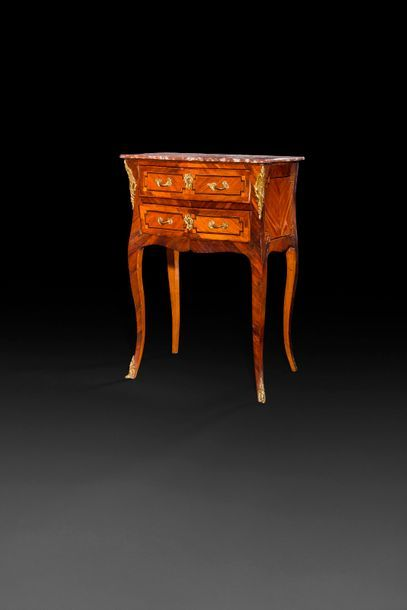 Petite table en bois de violette et palissandre...