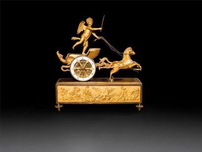 Pendule en bronze doré au char de l'Amour,...