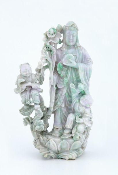 CHINE XXème Siècle  GROUPE en jadéite sculptée...