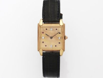 MOVADO  Montre bracelet d'homme en or rose...