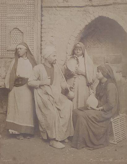 ZANGAKI FRÈRES - ORIENTALISME Famille arabe...
