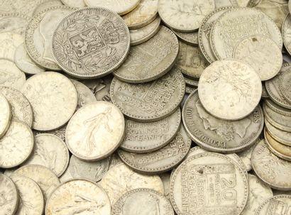 IMPORTANT LOT DE PIECES en argent principalement...