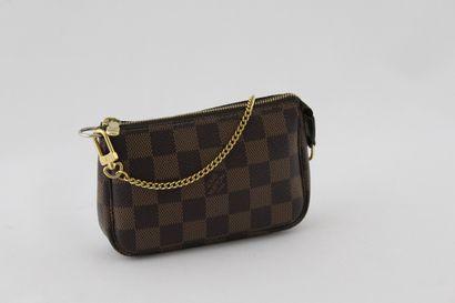 Louis VUITTON année 2008  POCHETTE accessoire...