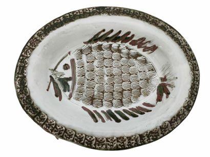 Albert THIRY (1932-2009)  Plat poisson  Céramique...