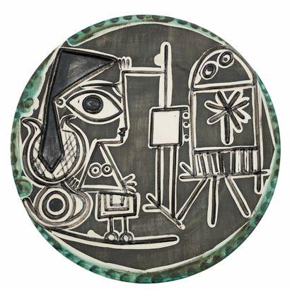 Pablo PICASSO (1881-1973) Atelier MADOURA  Plat Jacqueline au chevalet 1956  Terre...