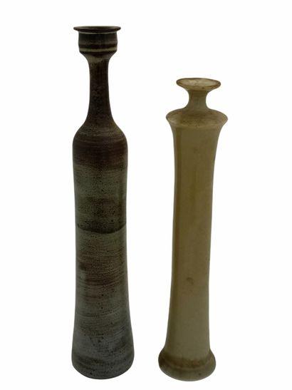 Roger COLLET (1933-2008)  Deux vases soliflores...